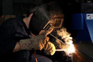 construction-worker-welding